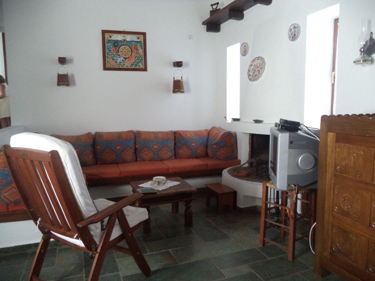 14 Sitting area