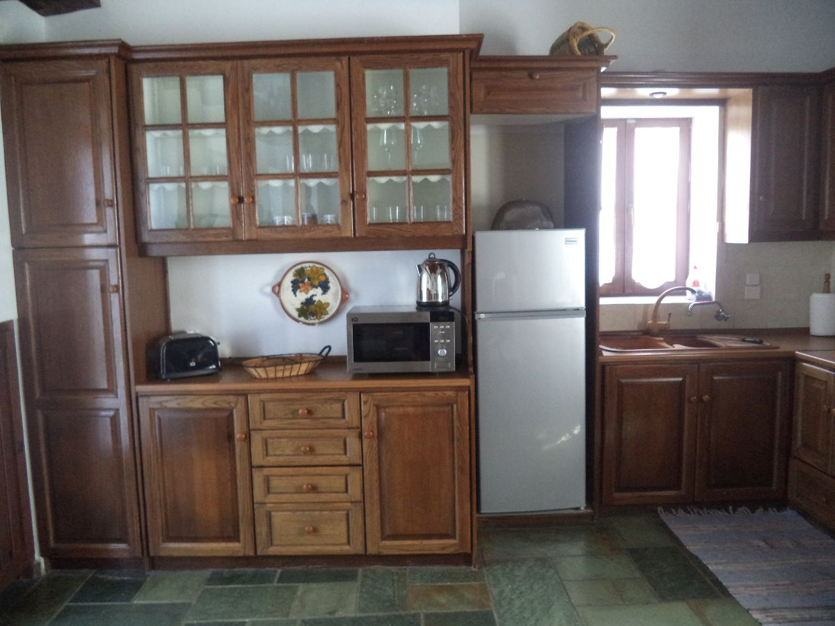 17 Kitchen area