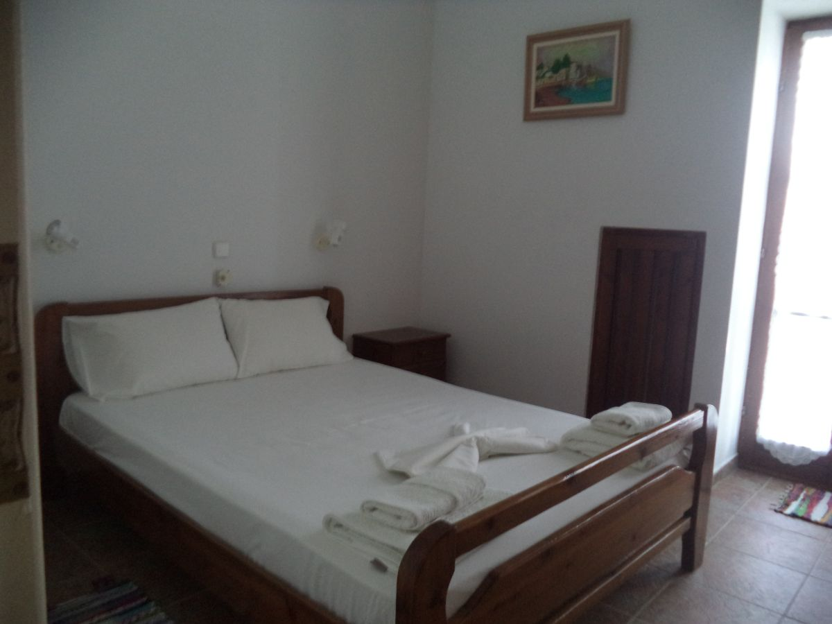 21 Double bedded bedroom