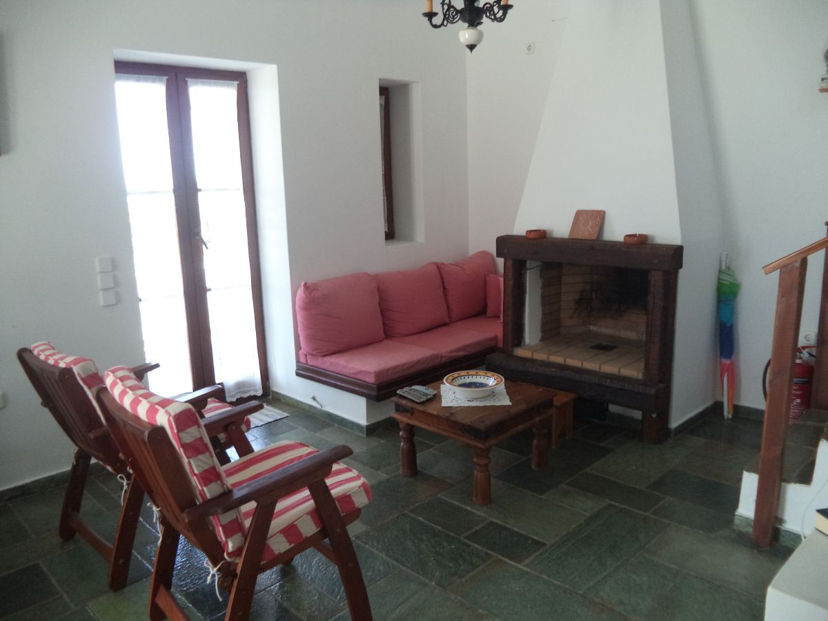 5 Sitting area