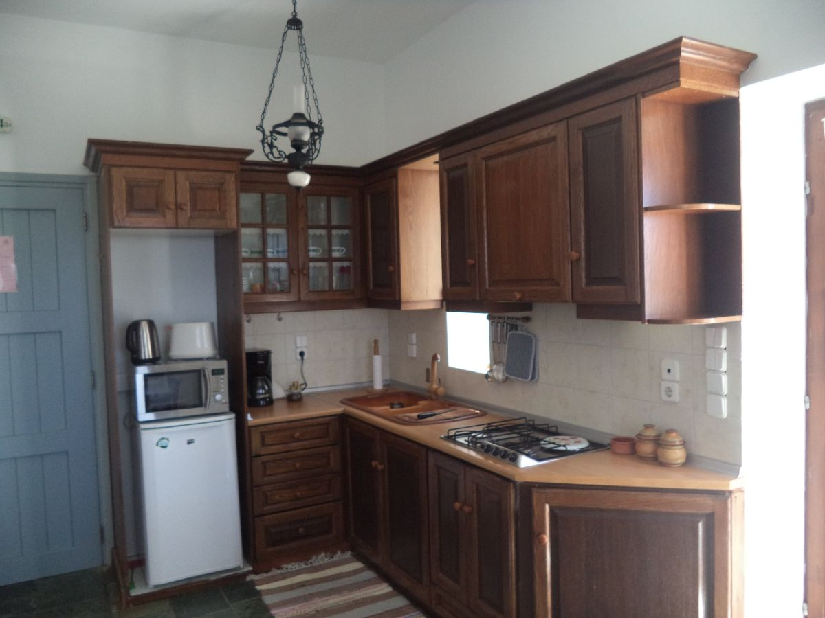 7 Kitchen area